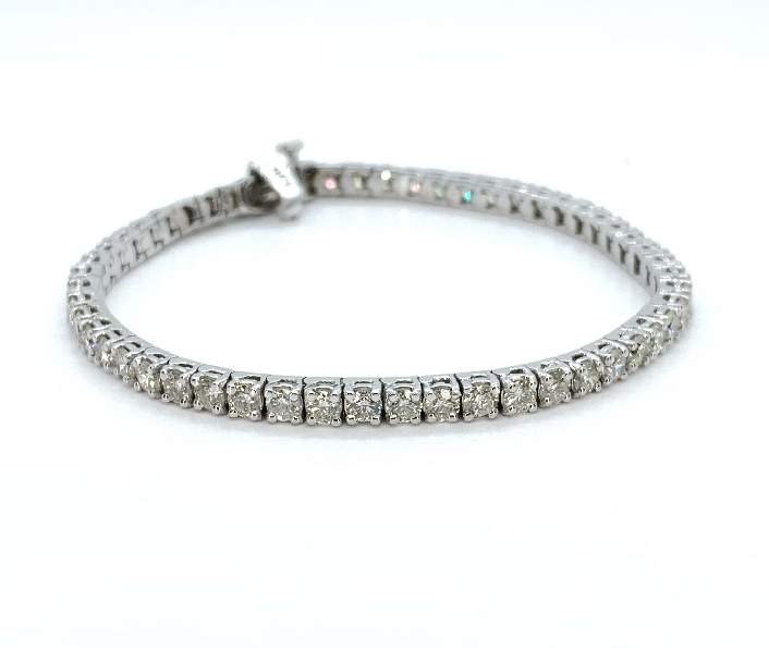 6.06ctw Diamond I1 Clarity; I Colour Tennis 14K White Gold Bracelet