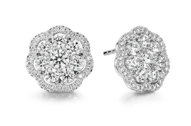 2.47ctw Hearts on Fire Diamond VS-SI Clarity; GH Colour Aurora Cluster 18K White Gold Earrings